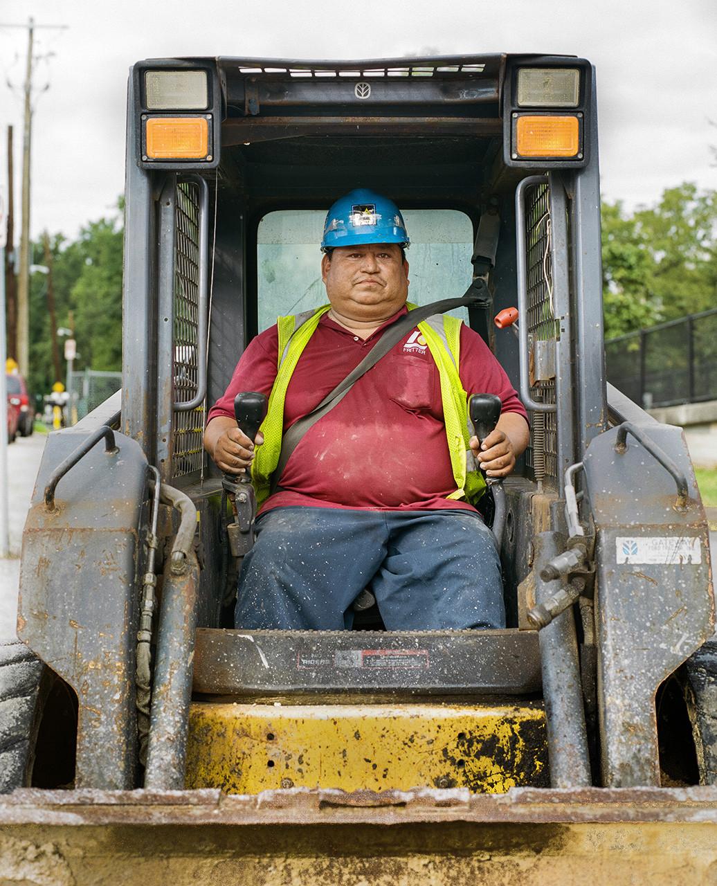 man-digging-06