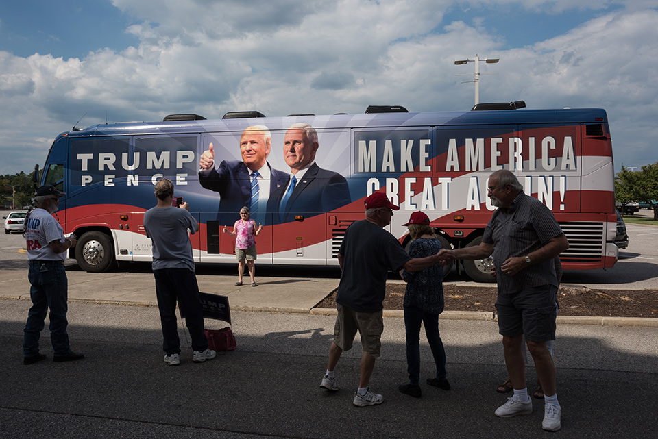 Trump Bus 1281